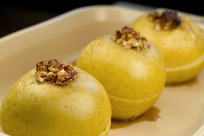 Baked Apples stuffed with Almonds, Honey and Cinnamon
