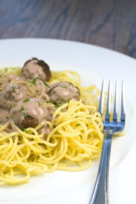 Beef Meatballs in a Creamy Red Wine Sauce