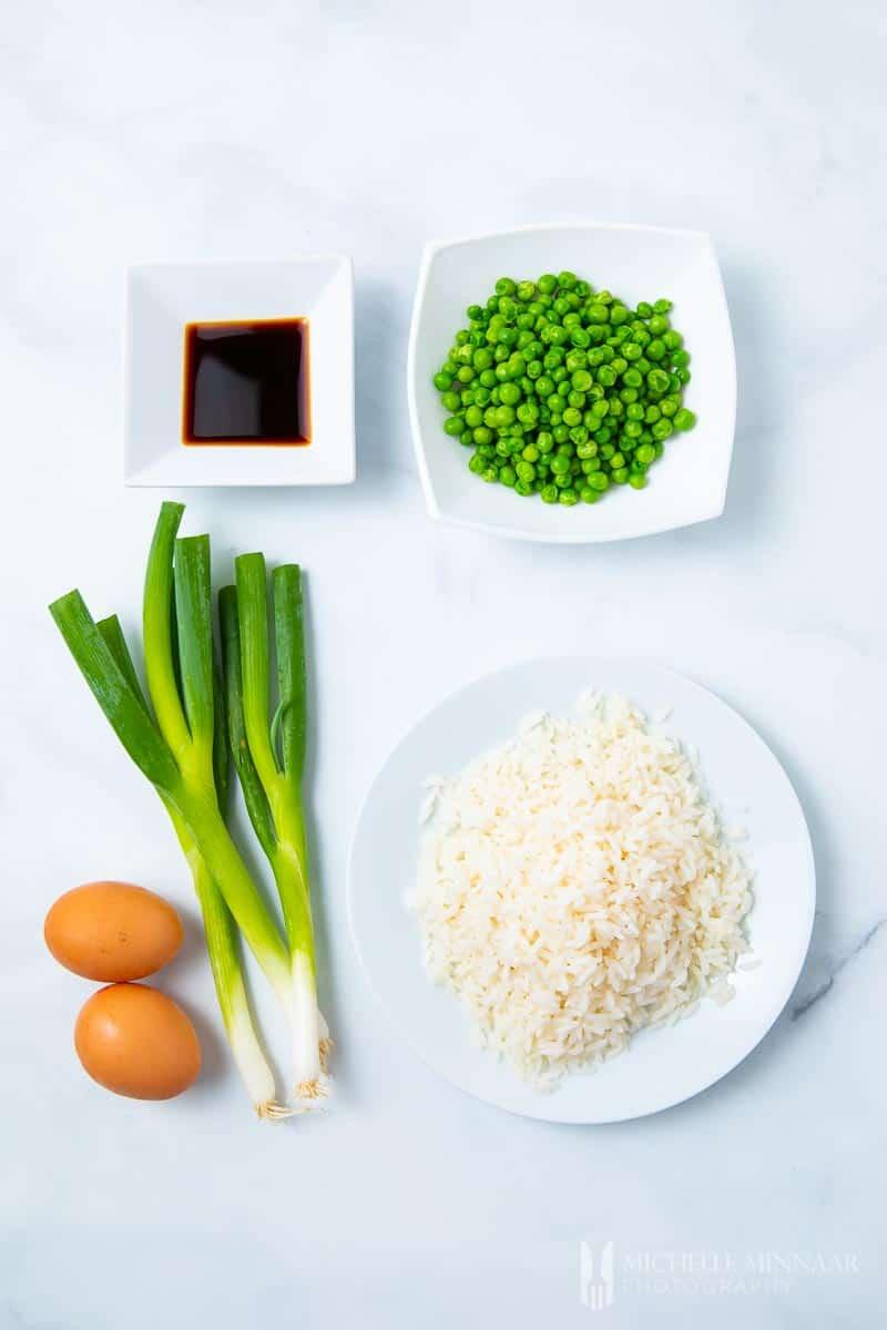 Ingredients to make slimming world egg fried rice