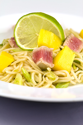 Fresh Tuna & Mango with Lime Noodles