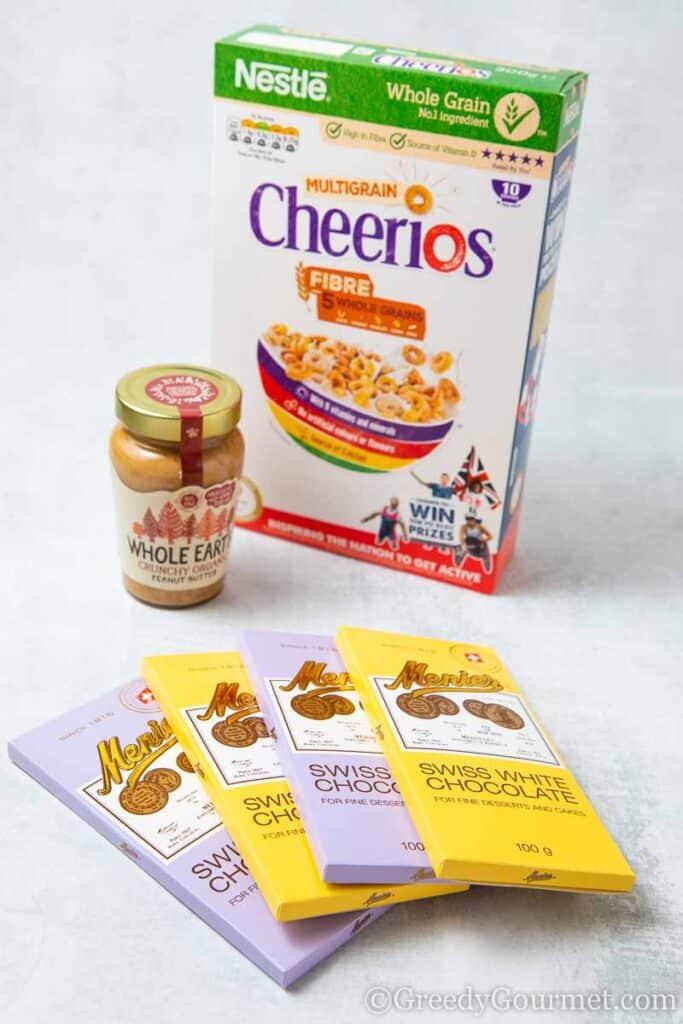 Ingredients to make a cheerio dessert