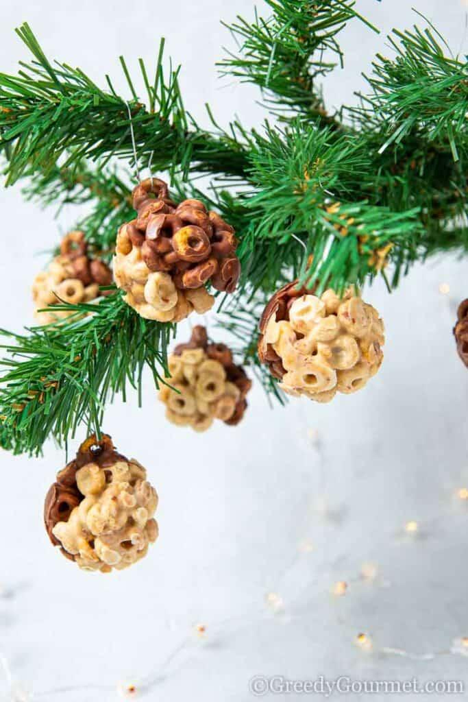 Balls of chocolate cheerios