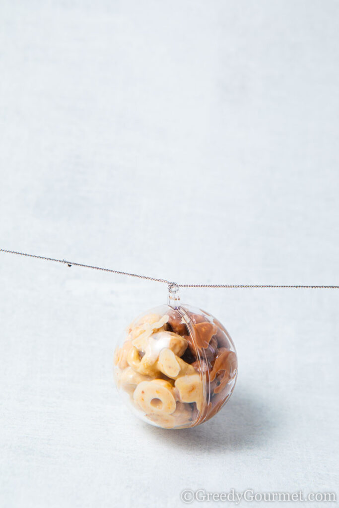 Christmas ornament made of cheerios