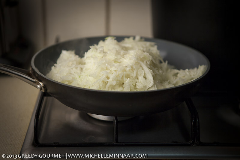 Raw grated onions