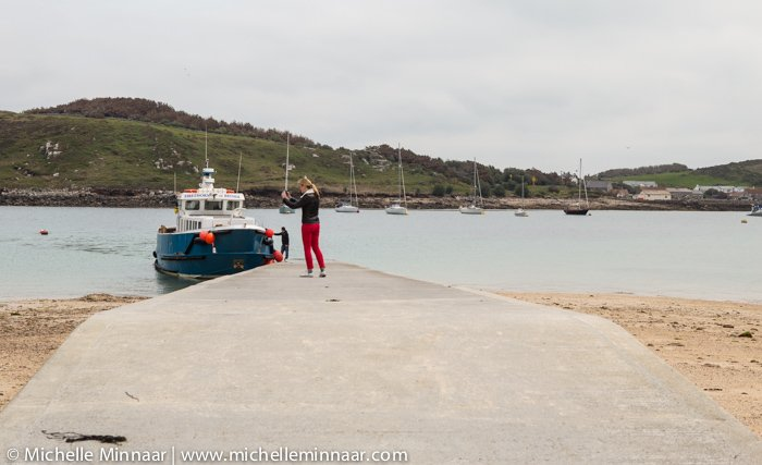 Boat transfer services between Scilly Isles