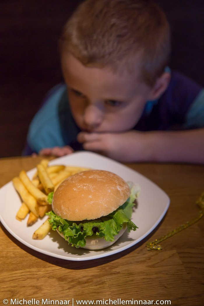 Kids' burger with fries