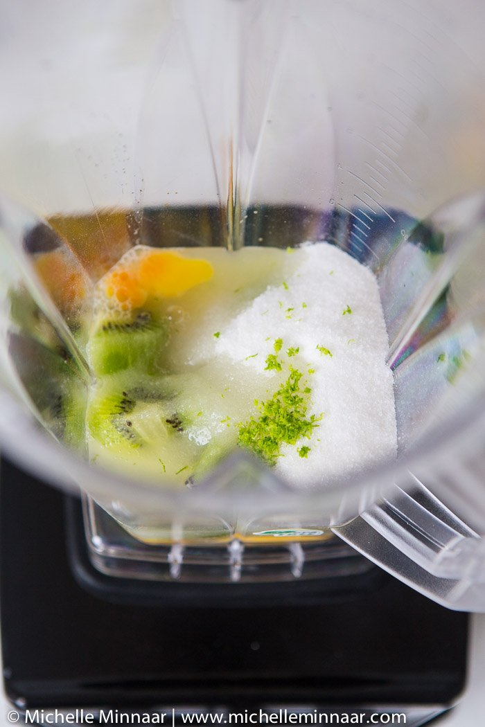 Kiwis, eggs and sugar