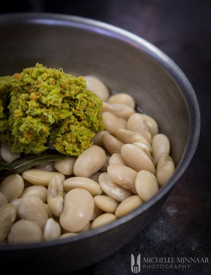 Mix vegetables with beans