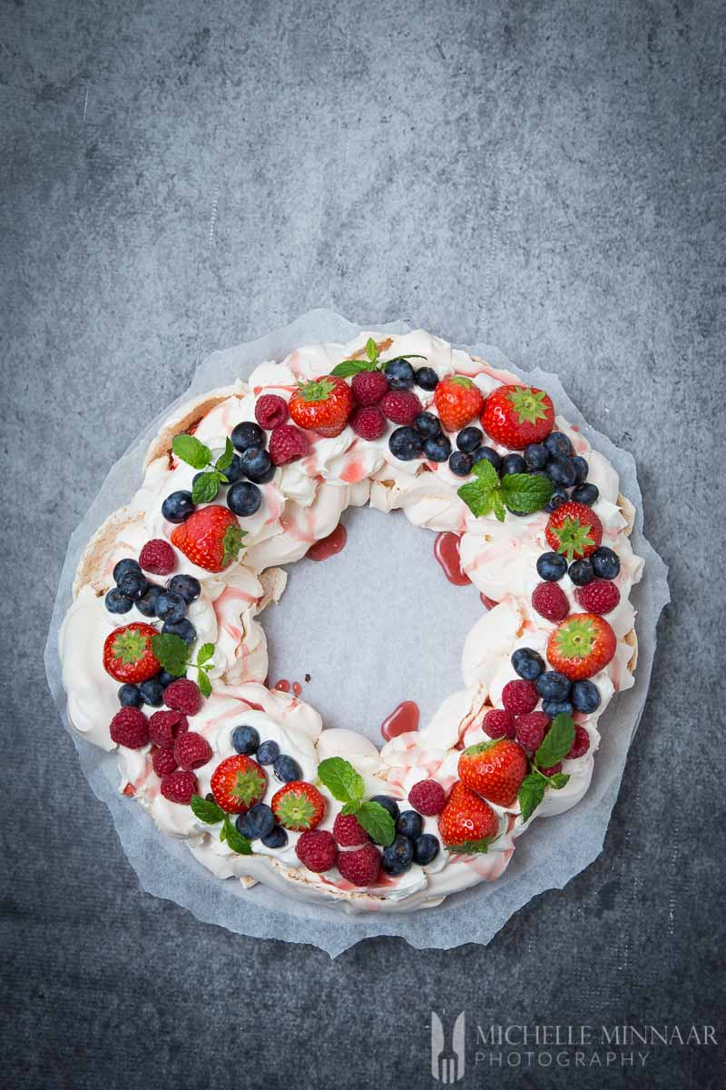 Christmas Pavlova Wreath The Perfect Dessert Recipe For Any Holiday