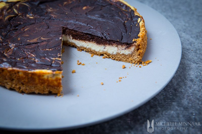A cheesecake with chocolate
