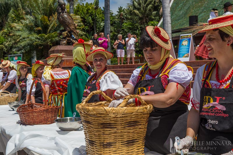 Traditional Canarian clothes