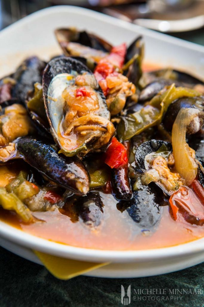 Mussel and pepper stew