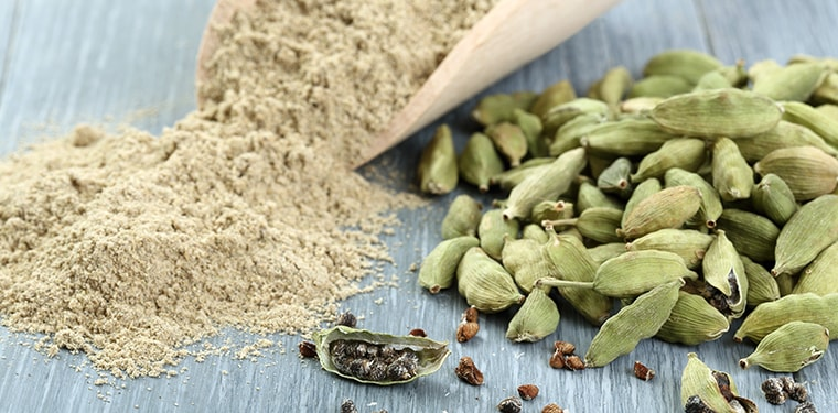 Cardamom seeds and powder for this cardamom substitutes post