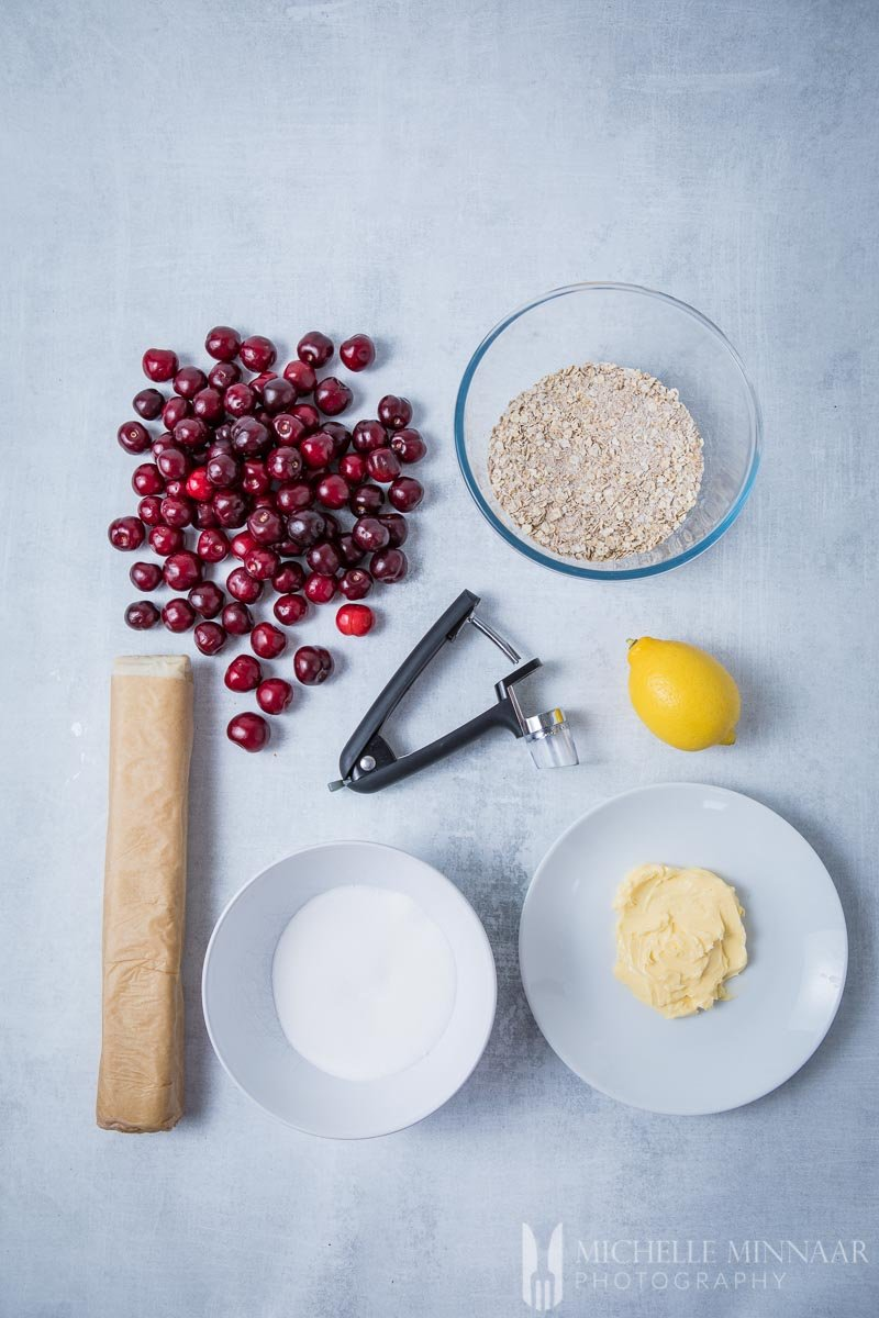 Ingredients to make cherry crumble pie : Pastry crumble butter sugar lemon