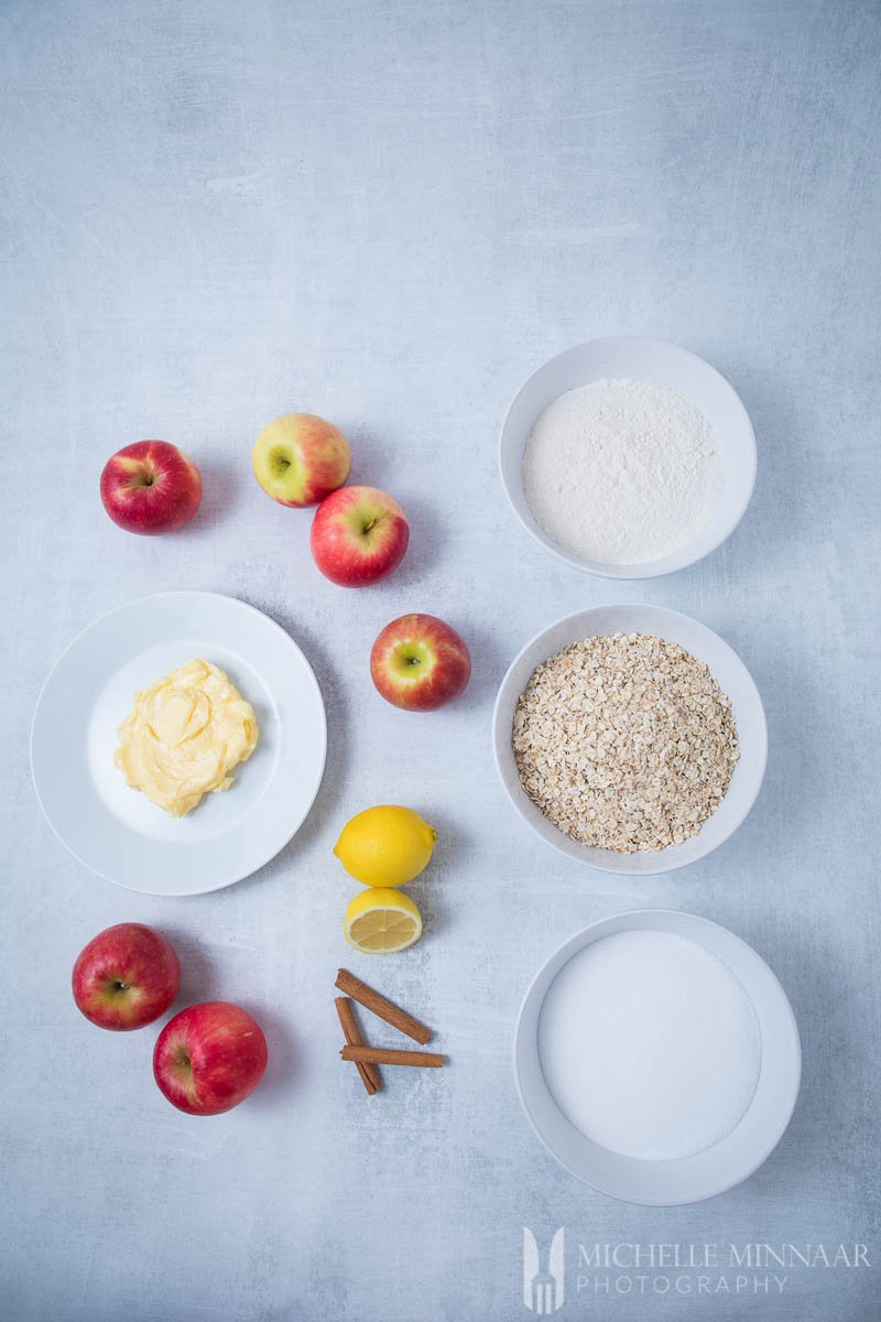 Ingredients to make sugar free apple crisp Cinnamon Sugar Apple Oats Flour Lemon