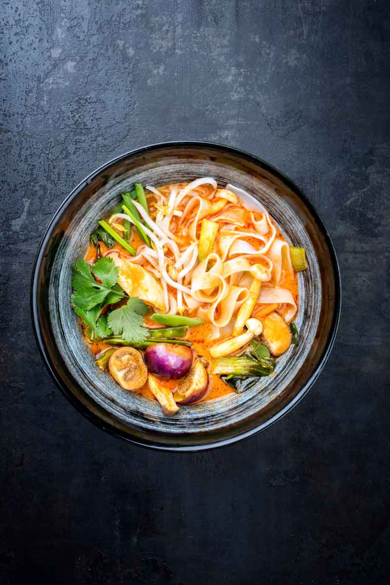 Bowl of red curry thai food