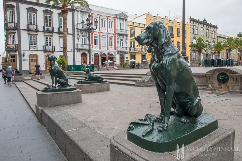 Statues of dogs