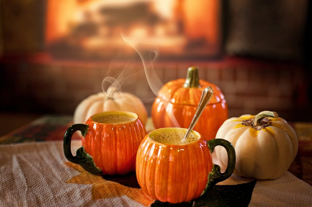 Three mugs in pumpkin shapes
