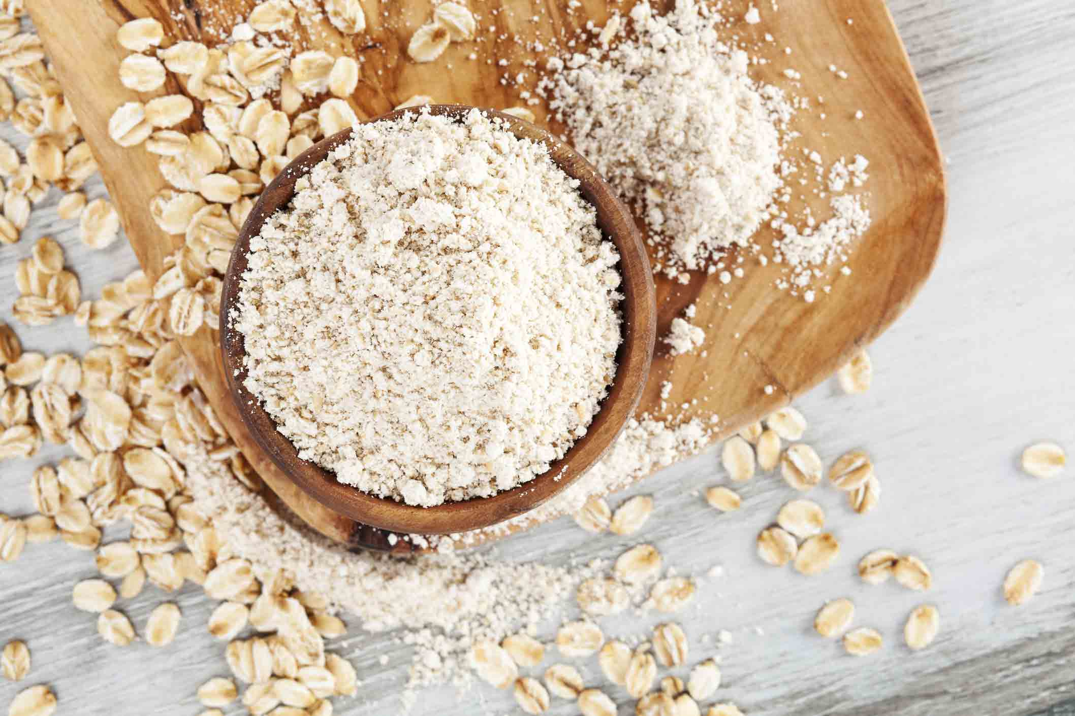 White oat flour and oats