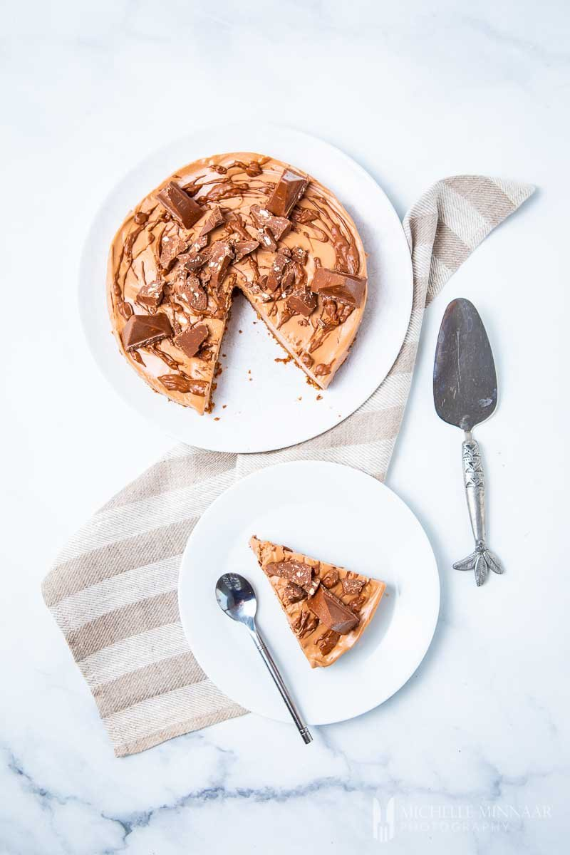 A full pie and a slice of a pie