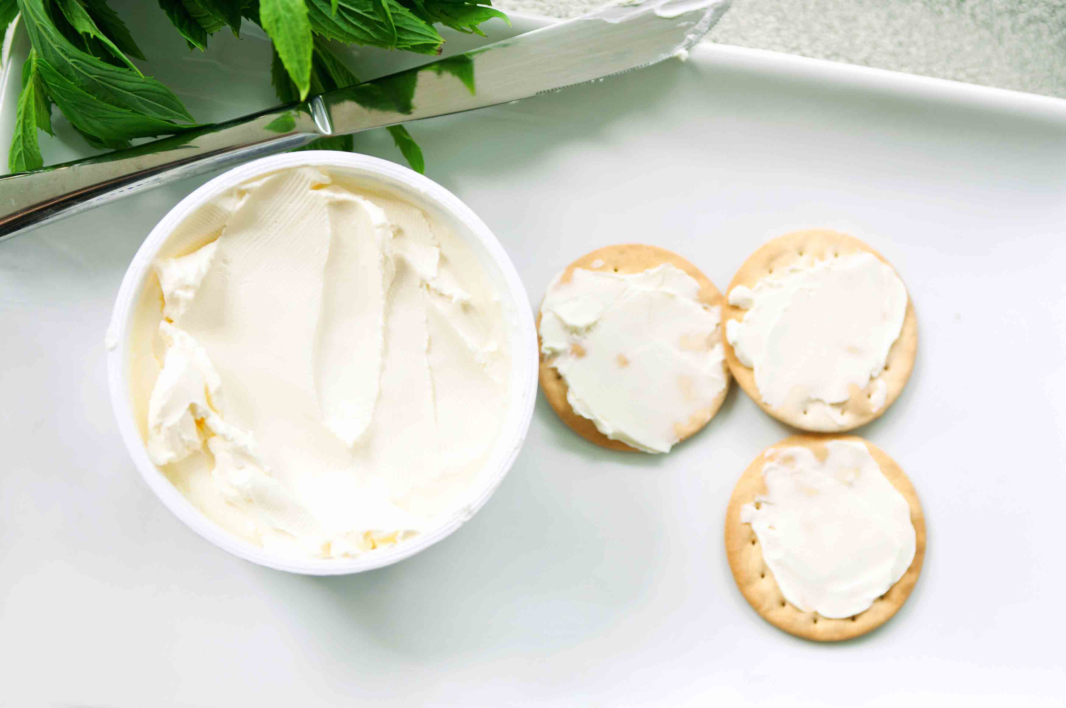 Cream cheese on crackers as a ricotta cheese substitute