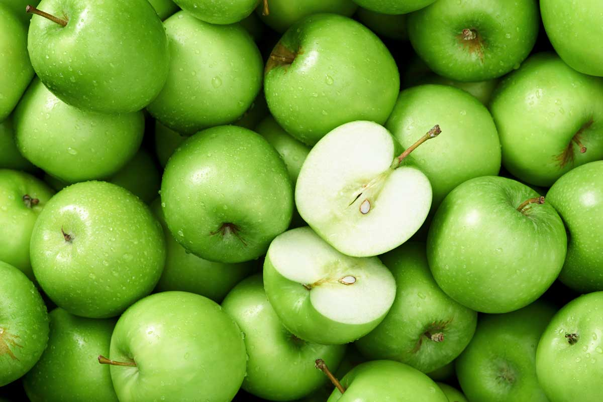 A bunch of green apples