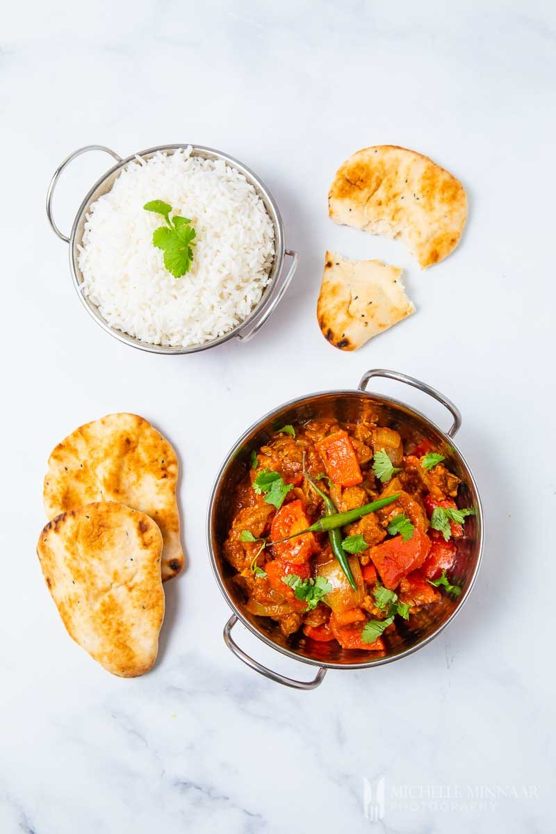 lamb jalfrezi, white rice and naan bread