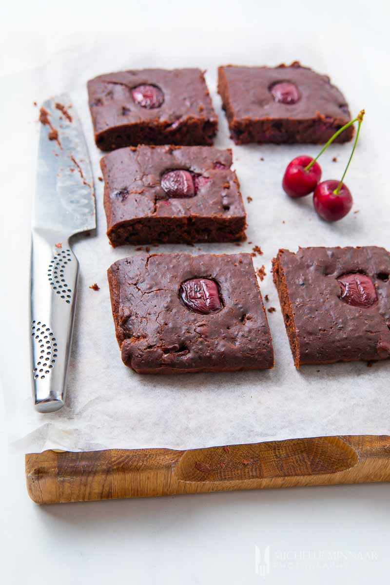 Sliced and cooked cherry brownies