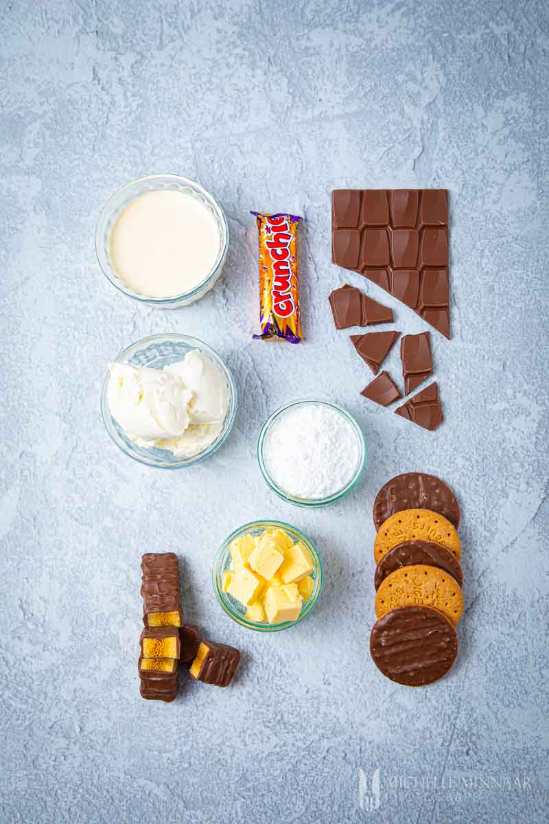 Ingredients to make Crunchie cheesecake