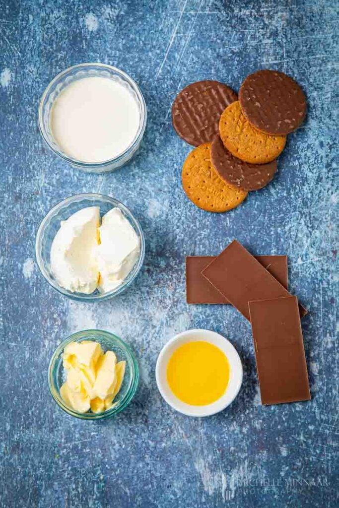 Ingreidents to make chocolate orange cheesecake
