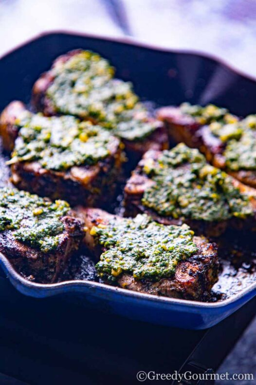 Grilled lamb chop recipe in a blue pan